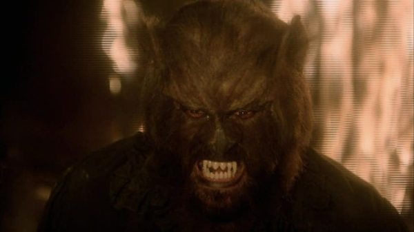 night-of-the-werewolf3