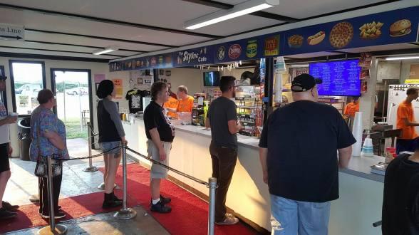 SMMF2016-Skyline concessions line3.jpg